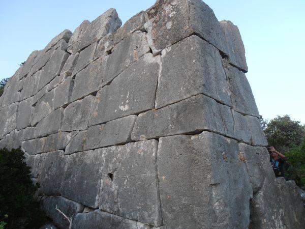 Le mura pelasgiche del Circeo