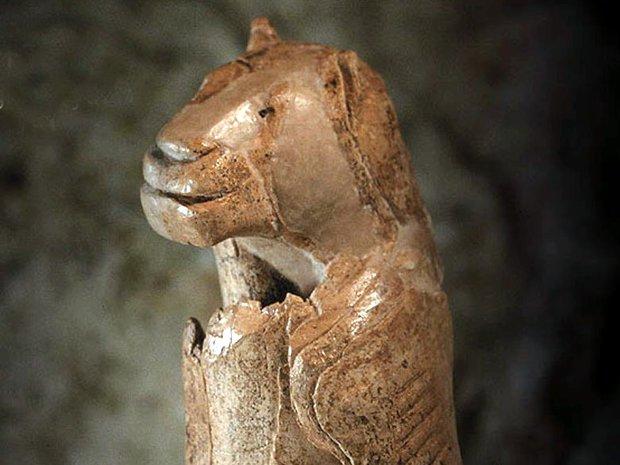 Statuetta di uomo-leone, Germania, 40.000 anni fa